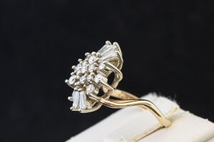 side view of cluster ring engagement ring