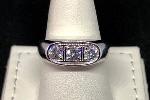 mens oval three diamond ring